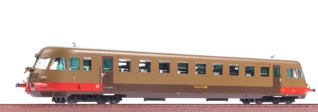 OS.KAR 2015 - FS automotrice diesel ALn 772.3265 Fondazione FS, livrea castano isabella, trombe corte, ep.VI